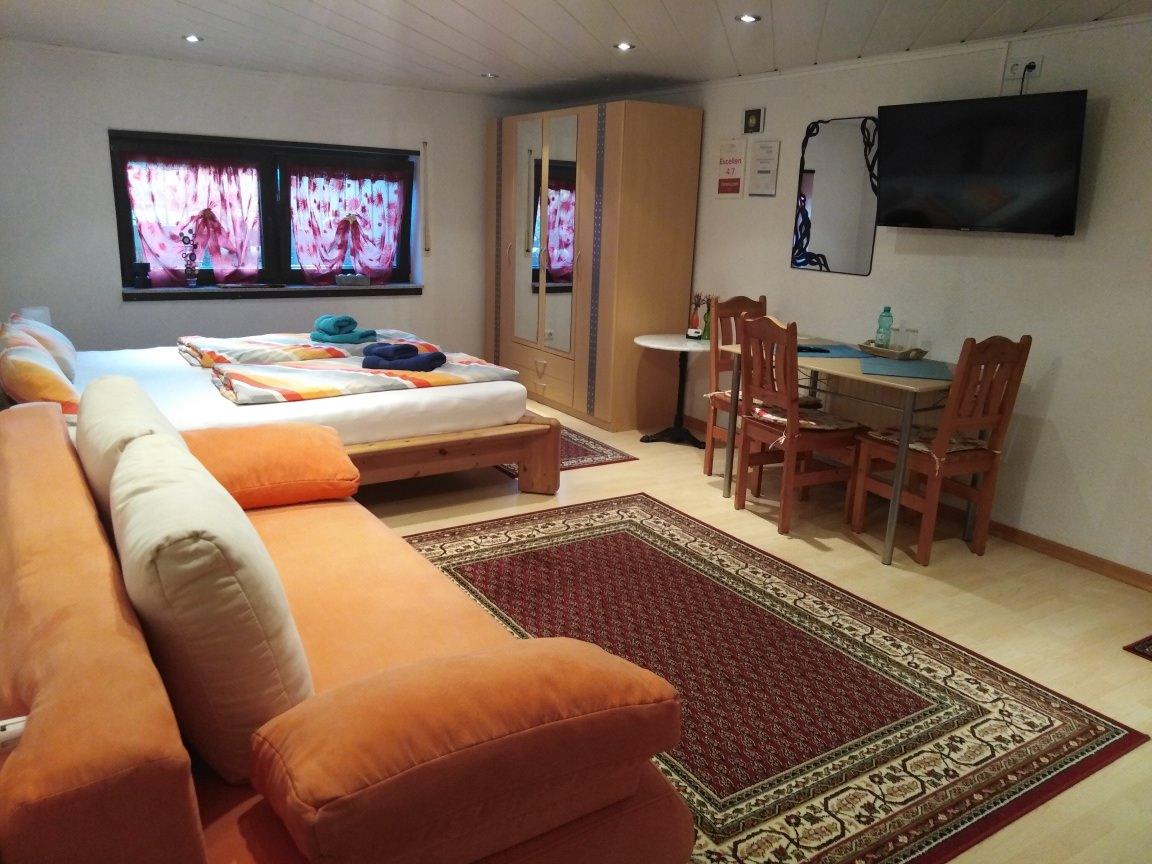 Lenas Ferienzimmer mit Küche, Appartement in Biebelnheim bei Flonheim