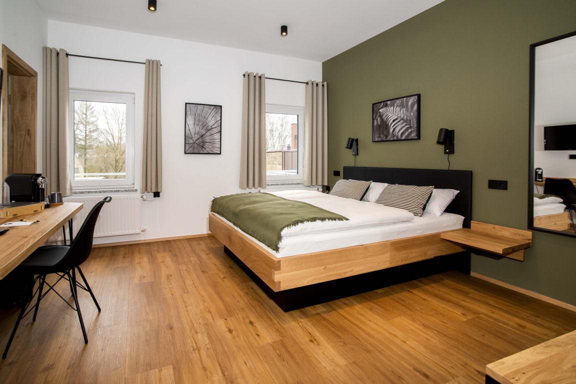 Wiesau:  Holzfellas Home