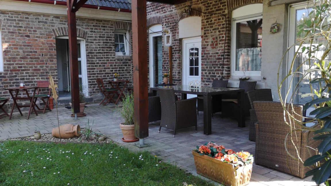 Burscheid:  Privatzimmer-Apartments