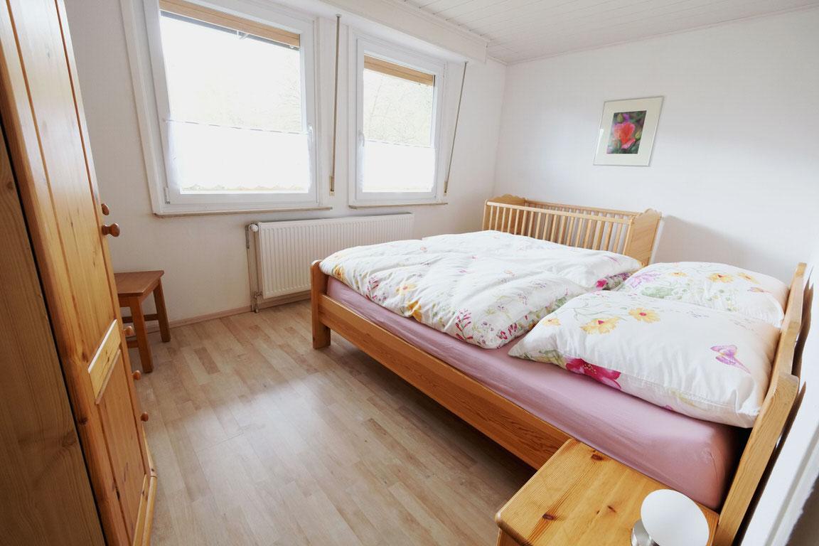 Wolfsbau Ferienwohnung, Pension in Langelsheim-Wolfshagen bei Liebenburg